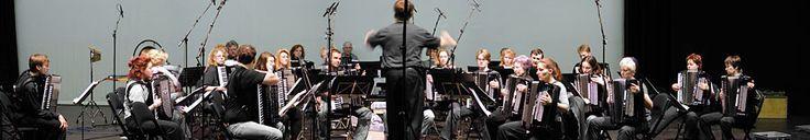 Hörproben des Nürnberger Akkordeon-Orchesters unter Leitung von Stefan Hippe: Eine Nacht auf dem kahlen Berge, Feuerwerksmusik, Il bacio, Schwanensee, Spanischer Tanz, Träumerei. Stichworte: #Accordion, #Music, #Orchestra, #MP3