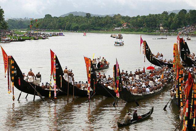 Kerala Onam Pictures: Onam Snake Boat Race