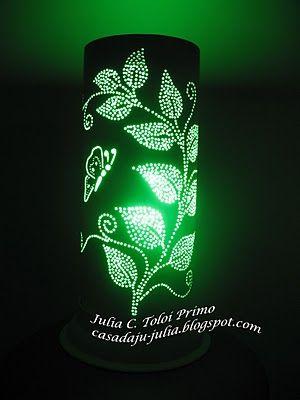 Execucão e PAP de: Julia Toloi  estas Luminárias estão à venda em : casadaju-julia.blogspot.com    1º - Escolha um cano de primeira linha, ...