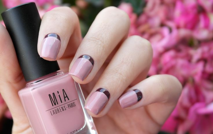 Manicura francesa invertida MIA Laurens Paris - Tono Rose Smoke que podéis conseguir en nuestra tienda online: www.mia-laurens.com #nailart #manicure #nailpolishes #beauty #frenchmanicure #nailartist #nailtrends