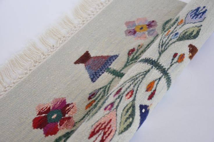 Buy now this handmade wool area rug with the tree of life symbol - authentic traditional Romanian folk art
