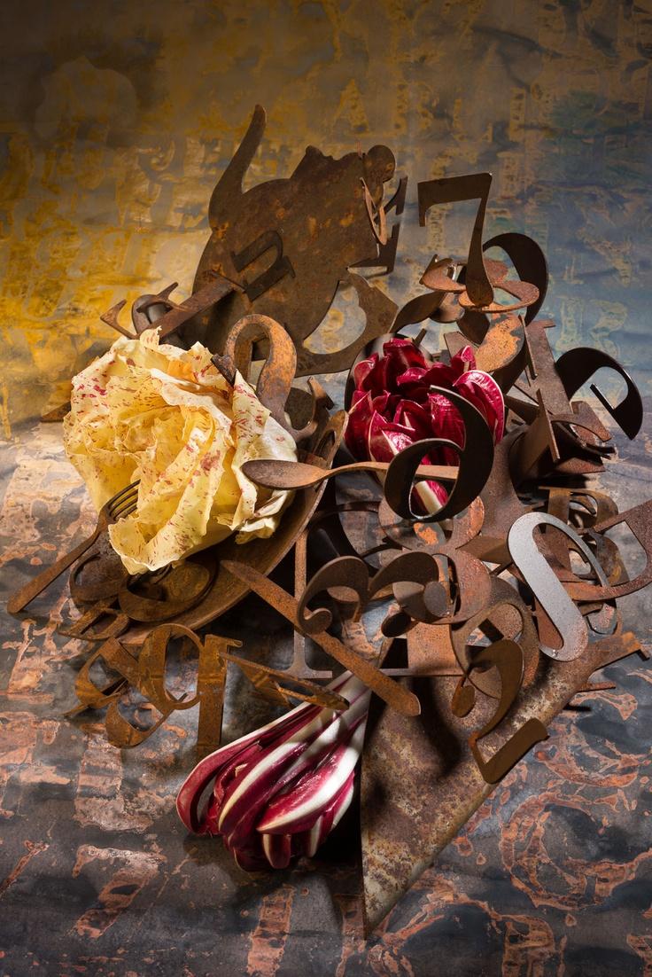 """""""Gusto di Carattere"""" è il titolo dell'edizione 2013 di Cocoradicchio, che prende spunto dalle caratteristiche uniche dei due prodotti alla base della manifestazione (Radicchio Rosso di Treviso IGP e variegato di Castelfranco IGP) e viene espresso dalle opere di Enrico Benetta, alla base dell'immagine di quest'anno www.cocofungoradicchio.it"""