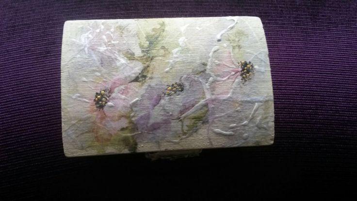 Gift Box Laura - handmade Copyright@ Laura Ciocoiu