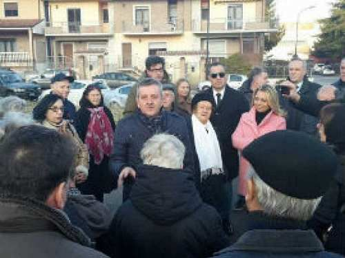 Abruzzo: #AVEZZANO: VIA #BARACCHE A CHIUSA RESTA COMITATO QUARTIERE PLAUDE AL COMUNE (link: http://ift.tt/2mcGRtE )