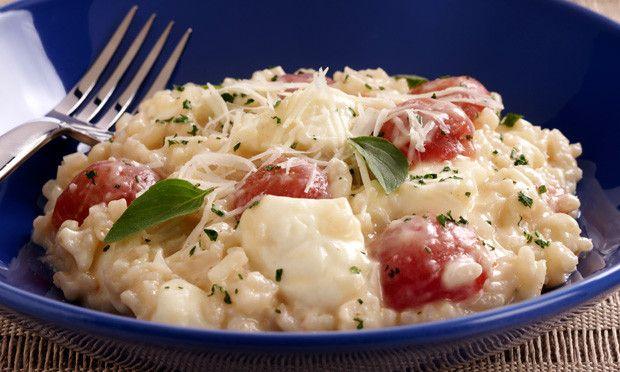 O risoto combina com diversos ingredientes e pode ser o protagonista de um delicioso almoço ou jantar
