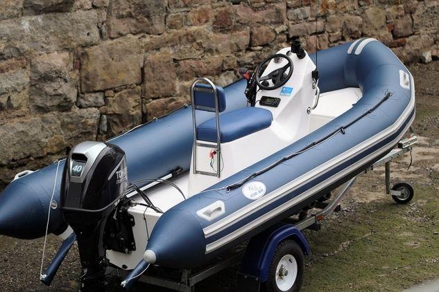 Menai Marine - 430 SR http://www.boatsandoutboards.co.uk/Sports-Ribs-for-sale/menai-marine-430-sr/153201