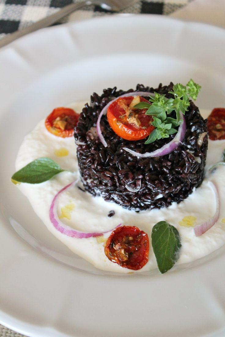 riso venere su crema di burrata e pomodori