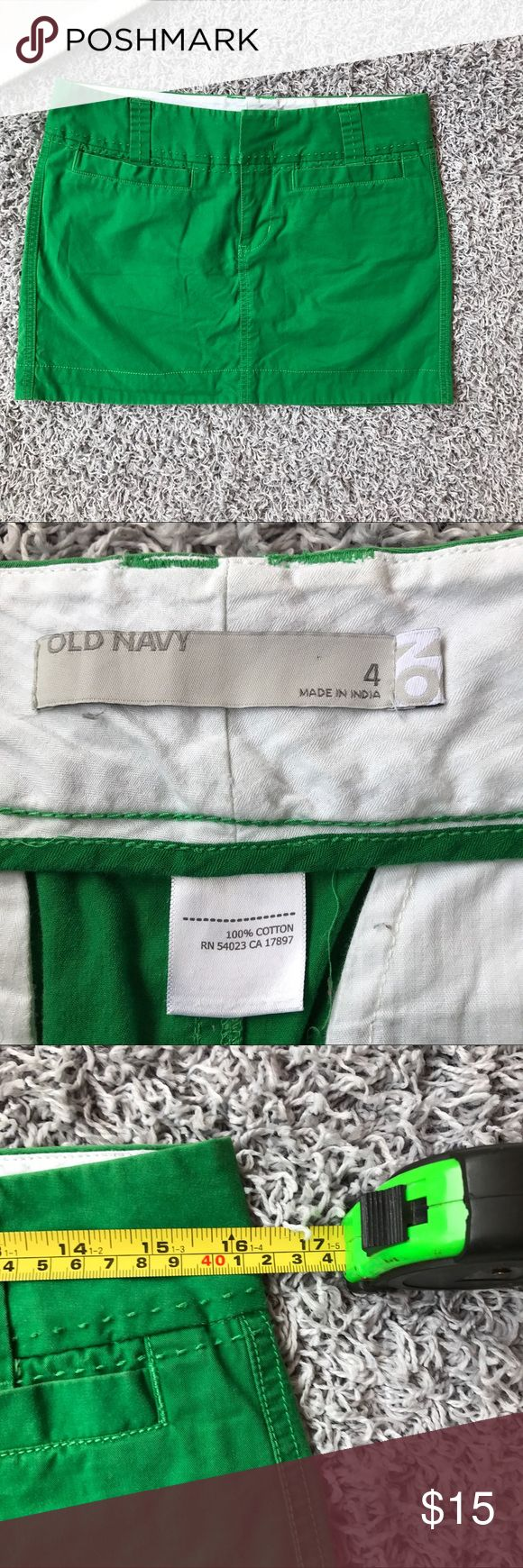 Old Navy Skirt Size 4 Green Short Mini This car is in great condition and has no flaws. It is a size 4 and the measurements are shown in pictures. Feel free to bundle and save! Old Navy Skirts Mini