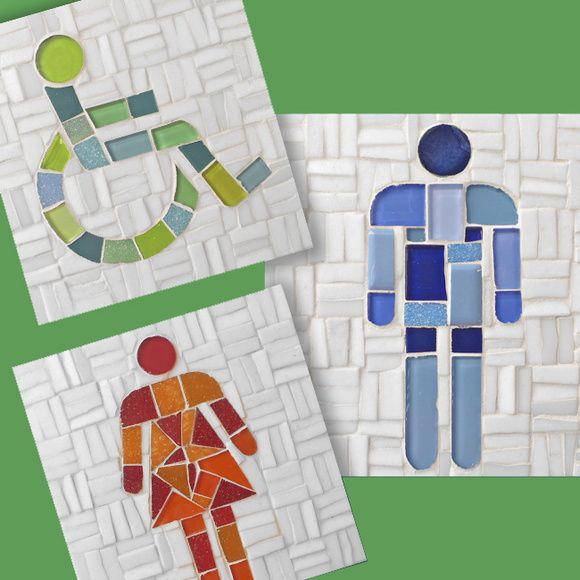 Conjunto com 3 plaquinhas para banheiro no tamanho de 15x15 feita em base de ceramica.