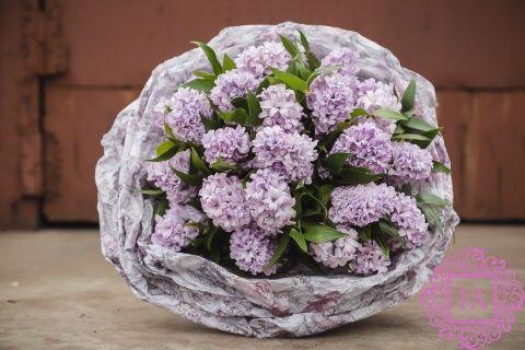 Букет из живых цветов Алахайн купить с доставкой в Москве, букет из гиацинтов