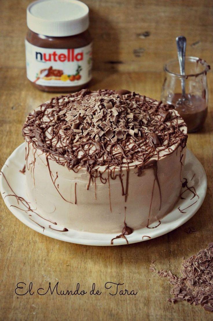 Os la imaginabais... Seguro que más de uno, ha soñado con ella!! :P Pues ya podéis despertaros, ha llegado por fin... La tarta Nutella...