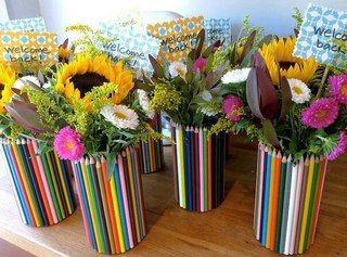Идея подарка к 1 сентября: ваза из карандашей