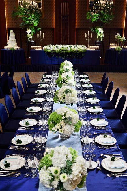 ロイヤルブルーのクロスに白xクリーンの花で上品な空間に *フォーマル・クラシック・オーセンティックな会場装花 一覧*