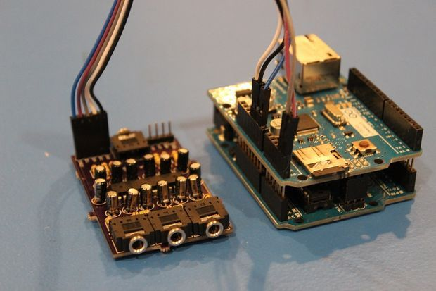 Transmit tunes anywhere in your house with Arduino