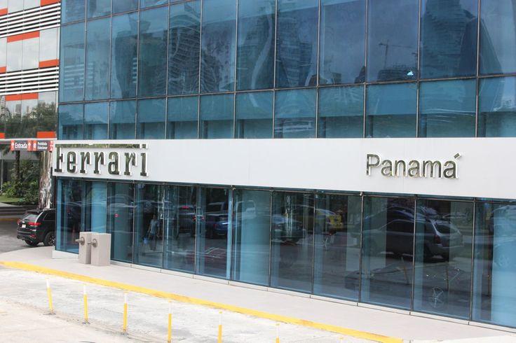 Crescita e ottime prospettive per il futuro di Panama fanno aumentare l'apertura di concessionari Ferrari, segno che esistono le condizioni di mercato per la vendita di auto costose e di lusso http://www.prensa.com/cerokm/Ferrari-Panama-superdeportivo-458-Speciale-Maranello_7_4149405019.html