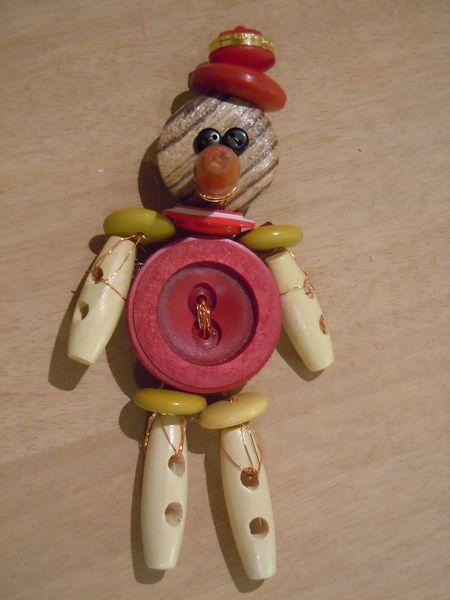 Pinocchio Rosso spilla.ciondolo di Foresta Mentale Chiaresca su DaWanda.com