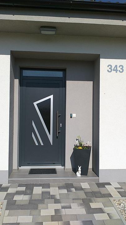 HPL GAVA 691 https://www.gavaplast.sk/produkty/gava-691-zlaty-dub-vchodove-dvere-691