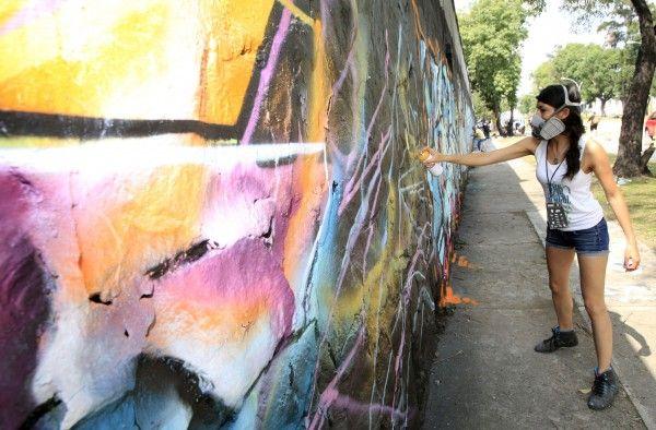Graffiteros del todo el pais realizan murales de graffiti, Meeti