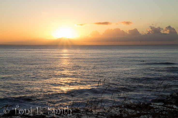 L1M2AP4 Lightroom Editing. Original image of the sunrise over the coast at Wollongong taken on my Canon EOS 1100D 1/25 f/29 41mm ISO 200 Tripod
