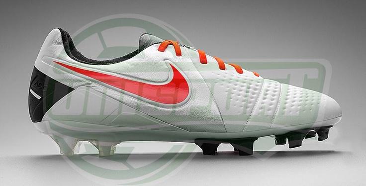 Nike - CTR360 Maestri III ACC White/Total Crimson/Black