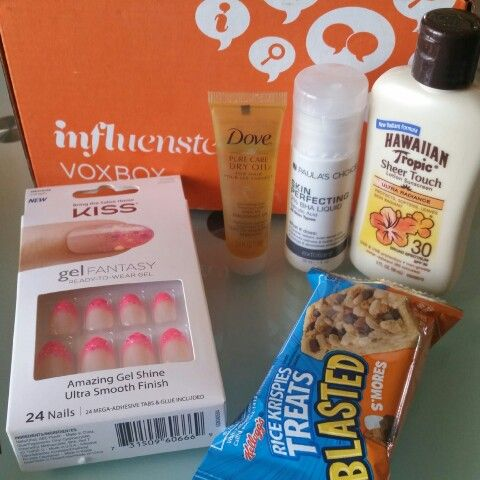 Received my little box.  Thank you @influenster for the extra surprise from Paula's Choice skin perfecting.  #calientevoxbox # influenster