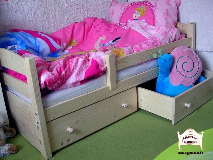 Huncut pocakos gyerekágy két fiókos ágyneműtartóval