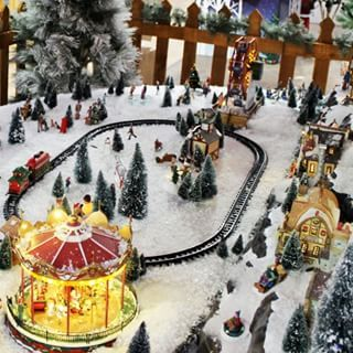 Winter wonderland Eekkk! 😏 #christmasdecor #christmasvillage #christmasdecorations #gardencentre #cambridgeshire #huntingdon #stives #christmas2017🎄🎅🎁#holidays #happyholidays #christmas2017 #christmasdecor #christmasfun #christmastime #merrychristmas🎄 #christmasvibe #christmasshopping #christmaswish #christmasparty #holidays2017  #holidayvibe #holidayparty #holidaydecoration #holidayseason #holidaysoon #noël #santaclaus #happytime #happyfamily #town