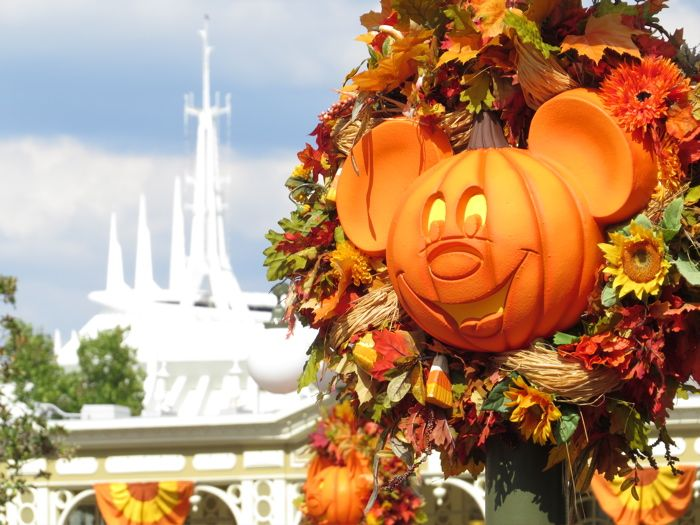 some great photos of the halloween decorations at disney world - Disney Halloween Decor
