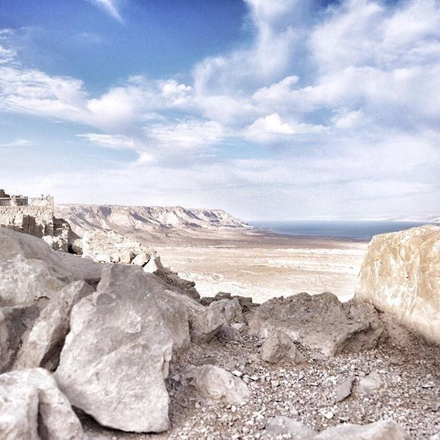 • Masada • ⠀⠀ Did you know you cannot use the hiking routes that lead to the Masada Fortress in summer? The temperatures can go as high as 50 degrees C (that is 122 F) 🤯 For then and for the people that just want to make it to the top asap - there's the cable car 😎 I went there more than once, but each time I chose that option;) Apart from it being quick and convenient you also get to enjoy the views going up and down. You can see large parts of the Dead Sea and the desert beyond the…