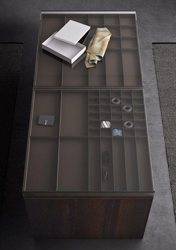 ISLAND teca in vetro trasparente, vassoi porta gioie in vellutino talpa | Clear glass top and jewelry trays in talpa microfiber | PIANCA | www.pianca.com
