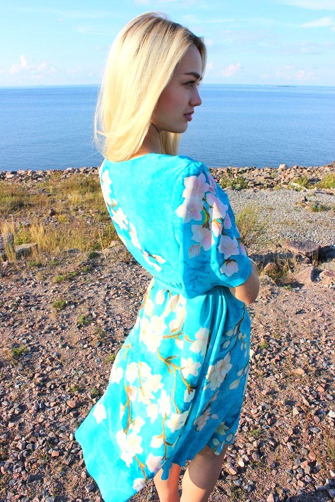 """Роскошное шелковое платье """"Цветущие ветки миндаля"""" ручная роспись по шелку, по мотивам картины Винсента Ван Гога."""