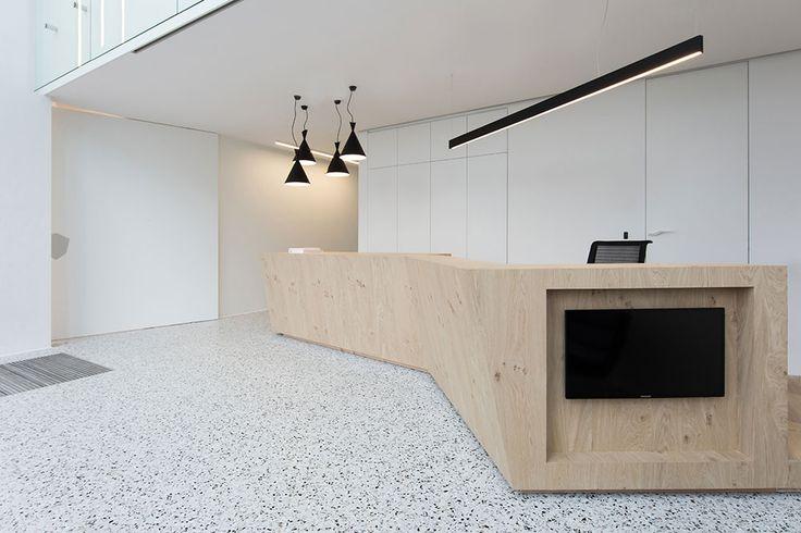 Kantoorinrichting door interieurarchitect Alexander Hugelier gespecialiseerd in alle interieurontwerp. Van ontwerp tot technieken, van idee tot oplevering.