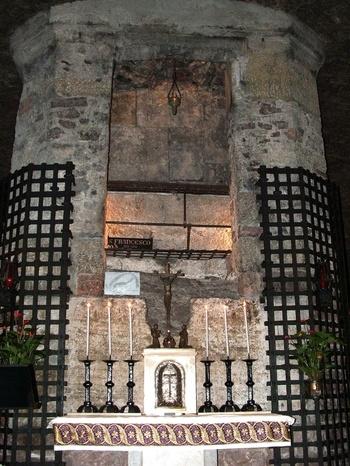 tomb of St. Francis of Assisi; Basilica di San Francesco in Assisi