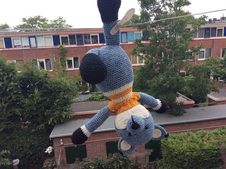 Vos Valerius haalt graag gekke streken uit! Handgehaakt door #dehaakjuffen met een patroon van MyKrissieDolls #haken #crochet #hakeniship