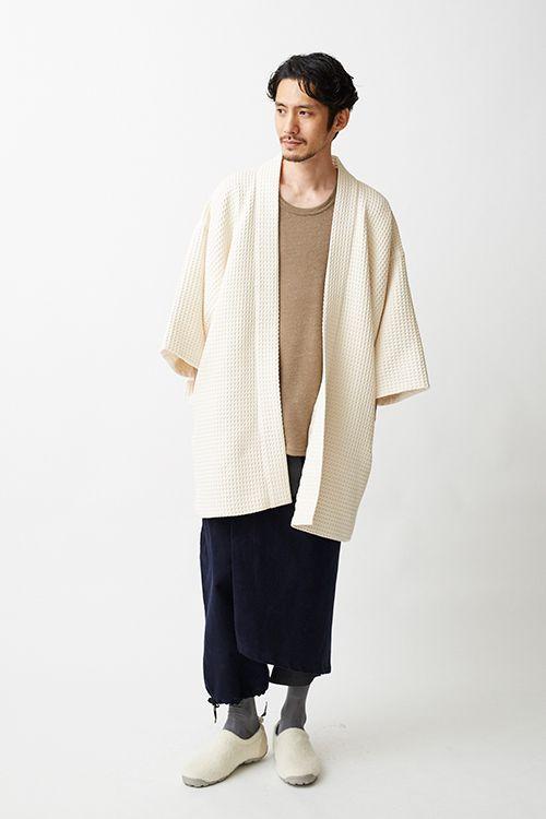 トローヴの浴衣ライン「和ROBE」の冬限定アイテム - 保温性ある羽織コートとセットアップのハカマ | ニュース - ファッションプレス