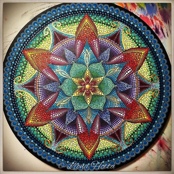 Continuing the process, this morning I woke up with a cold... I guess greyish blue surrounds me, so be it!  #itsthebeginning #newproject #newthings #mandalart #mandalaart #artistsoninstagram #artistsofinstagram #mandalalove #thenow #meditation #mandalameditation #artofcolors #art #arte #colorful #doitfortheprocess #process