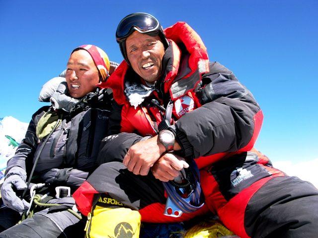 Apa Sherpa and Suunto T-6 on Mt. Everest Summit. #SuuntoSpotted #SuuntoT6