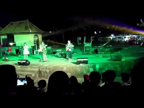 indonesia jogja entertainment night