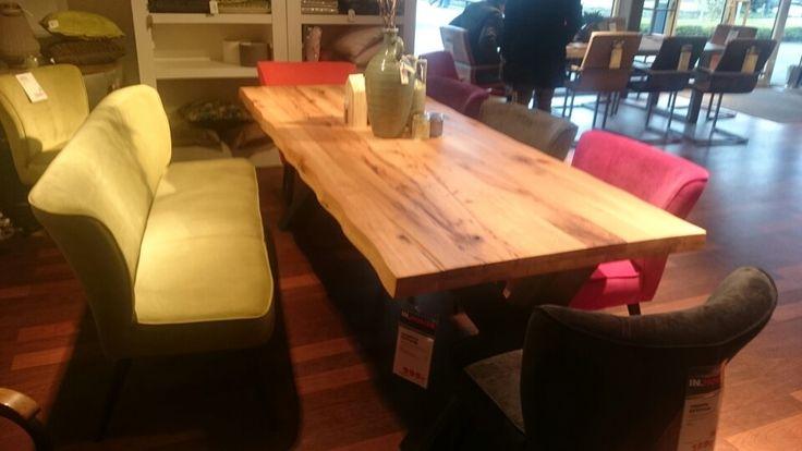 Bank 400 euro tafel 1000 euro,  inhouse in Breda woonboulevard
