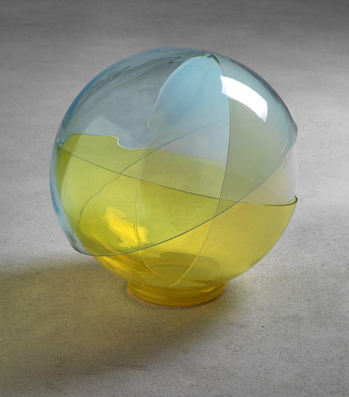 Ayşe Erkmen previous / next 6 of 12tre Colori, 2011, Murano glass, Ø 50 cm…