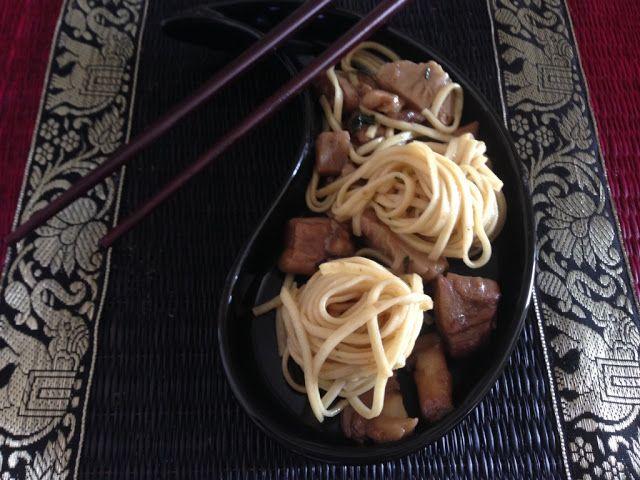 Myeu appunti vegetariani: Noodles con funghi in salsa di zenzero
