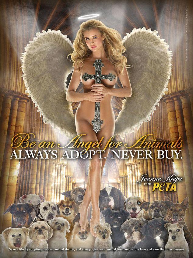 Американская модель Джоанна Крупа призывает стать «ангелом для животных», не покупать, а брать питомцев в приюте. Возможно, вам посчастливиться привлечь такое же внимание к рекламе, как и организация PETA :-)