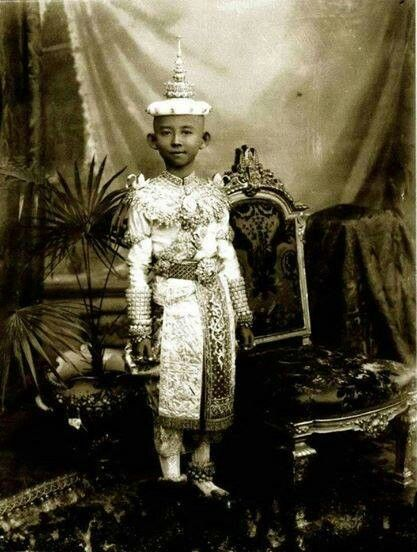 "Mahidol Adulyadej, Prince of Songkla (Thai: สมเด็จพระมหิตลาธิเบศร อดุลยเดชวิกรม พระบรมราชชนก; RTGS: Somdet Phra Mahitalathibet Adunyadetwikrom Phra Borommaratchachanok, ""Mahitaladhibes Adulyadejvikrom, the Prince Father"", 1 January 1892 – 24 September 1929) or was the father of KingAnanda Mahidol (Rama VIII) and KingBhumibol Adulyadej (Rama IX) of Thailand. He was also regarded as the father of modern medicine and public health of Thailand. He also founded the House of Mahidol or the present…"
