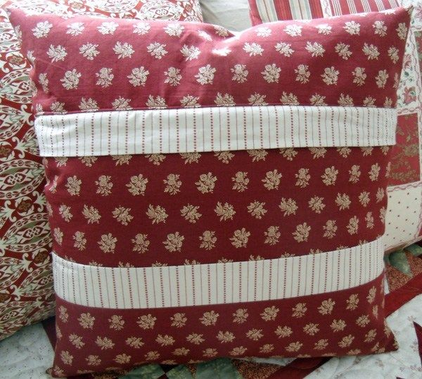 Christmas Once A Month Poinsettia Pillow The Crafty