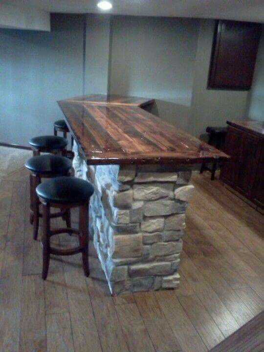 I love this! Reclamed wood from barn for counter top.