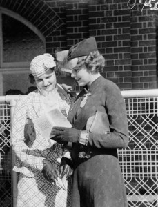 Women's fashions, Sydney Cup Randwick, 1937, Sam Hood. From the collection of the State Library of New South Wales www.sl.nsw.gov.au
