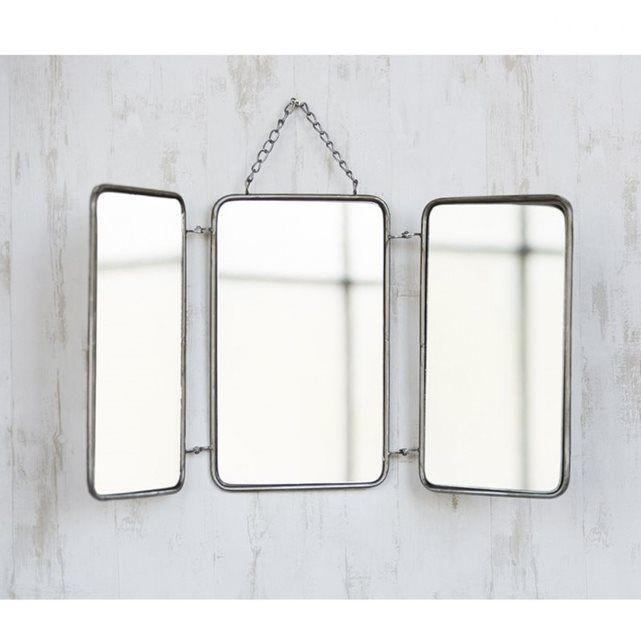Pour ajouter une touche rustique au style de votre décoration intérieure, optez pour ce miroir Barbier. Son contraste alliant le marron et le gris s'harmonise facilement avec diverses thématiques de couleur. Dimensions : 64cm x 32cm Thème : Autre Couleurs : Marron, Gris
