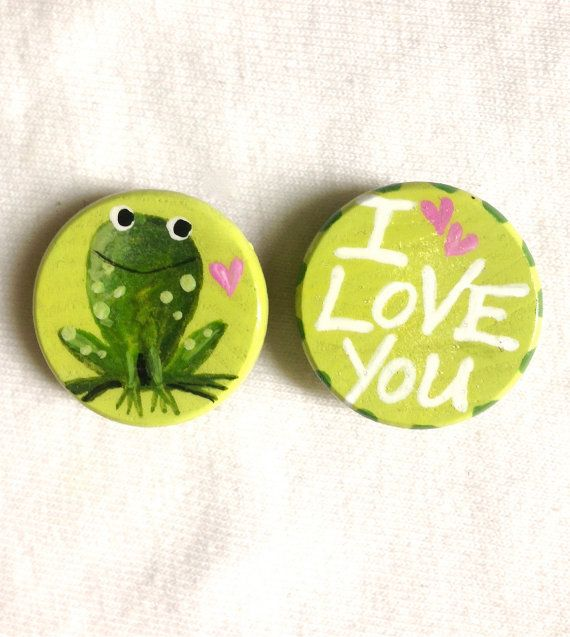 I LOVE YOU MAGNET frog hand painted by SugarAndPaint on Etsy