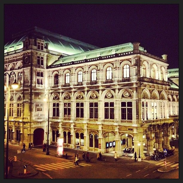 How lucky am I to have lived blocks from the famous Staatsoper in Vienna, Austria where I enjoyed dozens of incredible shows - the best the artistic world has to offer!