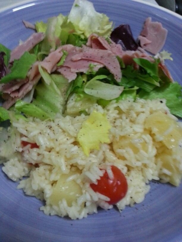 Pineapple and tomate rice